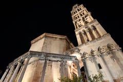 Palacio del ` s de Diocletian de la noche en fractura foto de archivo libre de regalías