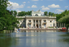 Palacio en el agua fotografía de archivo