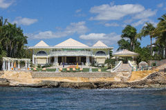 Palacio en la costa Imagen de archivo libre de regalías