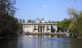 Palacio en la isla imágenes de archivo libres de regalías