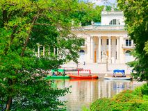 Palacio en la isla El Lazienki real Parque de Lazienki, Varsovia Foto de archivo libre de regalías