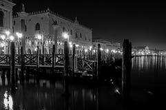 Palacio en la noche, Venecia Italia de los duxes fotos de archivo libres de regalías