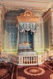 Palacio interior de Gatchina del dormitorio de oro Imagenes de archivo