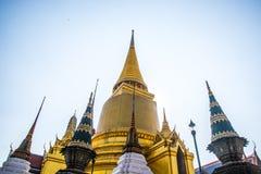 Palacio magnífico Bangkok Stupa de oro y templos religiosos THAILLAND Imagen de archivo