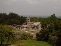 Palacio maya en el sitio arqueológico de Palenque Fotos de archivo