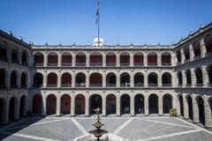 Palacio Nacional, здание правительства, Мехико, Мексика стоковая фотография rf
