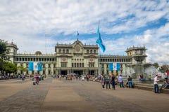 Palacio nacional de Guatemala en el cuadrado ciudad de Guatemala, Guatemala de Plaza de la Constitucion Constitution imagen de archivo