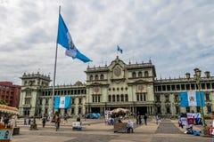 Palacio nacional de Guatemala en el cuadrado ciudad de Guatemala, Guatemala de Plaza de la Constitucion Constitution fotografía de archivo