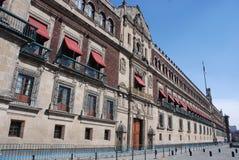 Palacio Nacional (nationaler Palast) beim Zócalo, Mexiko City Stockfotografie