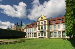 Palacio Opatow con la catedral Fotos de archivo libres de regalías