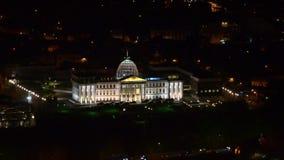 Palacio presidencial en Tbilisi en la noche Front View almacen de metraje de vídeo