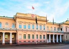 Palacio presidencial en viejo centro de ciudad en Vilna Lituania fotos de archivo libres de regalías