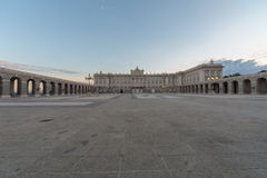 Palacio real por la mañana Imagen de archivo libre de regalías