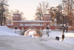Palacio ruso viejo en Tsaritsyno Imagenes de archivo