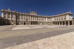 Palacio som är verklig i Madrid Spanien royaltyfria bilder