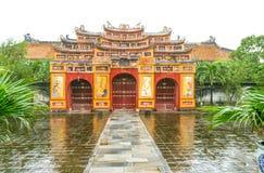Palacio vietnamita debajo de la lluvia Foto de archivo