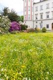 Palacio Vrchlabi con el jardín Imágenes de archivo libres de regalías
