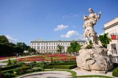 Palacio y jardín - Salzburg, Austria de Mirabell Fotografía de archivo