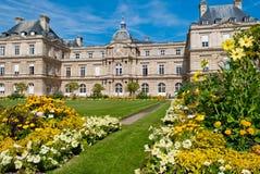 Palacio y jardines, París de Luxemburgo Imagen de archivo libre de regalías