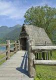 Palafitte på sjön Arkivfoto