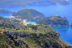 Palaiokastritsa στο νησί της Κέρκυρας Άποψη από Angelokastro ιόνια θάλασσα της Ελλάδας Στοκ Εικόνα