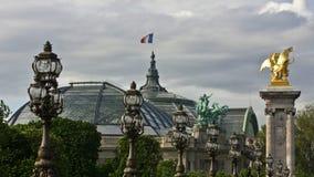 Palais Париж грандиозные и Pont Александр III Стоковое Фото