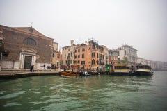 Palais célèbres sur Grand Canal à Venise, Italie humidité photo libre de droits
