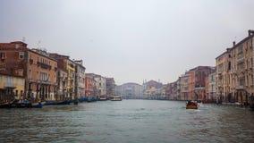 Palais célèbres sur Grand Canal à Venise, Italie humidité photographie stock
