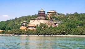 Palais d'été, lac kunming et pavillon impériaux de l'encens bouddhiste situé dans Pékin, Chine images stock