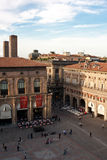 Palais dans le grand dos principal de Bologna Image libre de droits