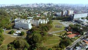 Palais de Bandeirantes dans le secteur de Morumbi Ville de Sao Paulo, état de Sao Paulo/du Brésil banque de vidéos