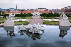 Palais de belvédère - jardin de Vienne images libres de droits