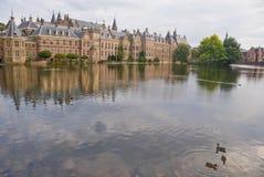 Palais de Binnenhof dans le repaire Haag images libres de droits