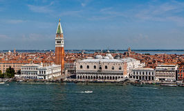 Palais de doge, San Marco Campanile, Venise, Italie images stock