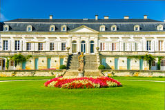 Palais de Ducru-Beaucaillou de château dans Medoc, France Photographie stock libre de droits