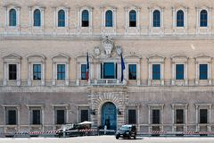 Palais de Farnese au centre de Rome photos libres de droits