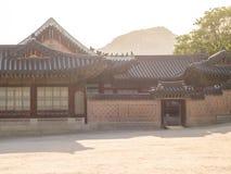 Palais de Gyeongbokgung dans les rayons de la lumière Séoul, Corée du Sud images libres de droits