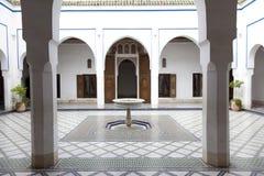 Palais de la的巴伊亚马拉喀什摩洛哥庭院 免版税库存图片