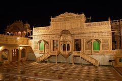 Palais de Mandir dans la nuit de Jaisalmer Photos stock