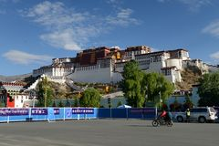 Palais de Potala à Lhasa Photographie stock