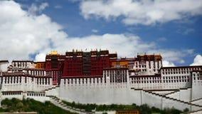 Palais de Potala Place de Dalaï lama Lhasa, Thibet banque de vidéos