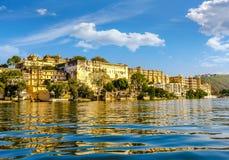 Palais de ville d'Udaipur Lac Pichola l'Inde Photo libre de droits
