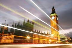 Palais de Westminster la nuit Photographie stock libre de droits