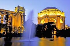 Palais des beaux-arts au crépuscule Photo libre de droits