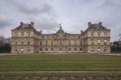 Palais du卢森堡,宫殿在卢森堡庭院里,巴黎,法国 免版税库存图片