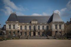 Palais du Парламент de Бретань, улица Бретань городского центра Ренна старая, Франция стоковые изображения