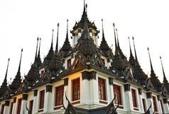 Palais en métal de Loha Prasat à Bangkok Images stock