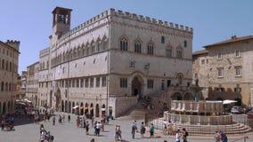 Palais et fontaine de Priori de dei de Palazzo à Pérouse, Ombrie, Italie banque de vidéos