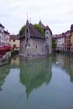 Palais famoso de l'Isle em Annecy, França imagem de stock royalty free