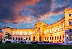 Palais impérial de Vienne Hofburg la nuit, - l'Autriche photos libres de droits